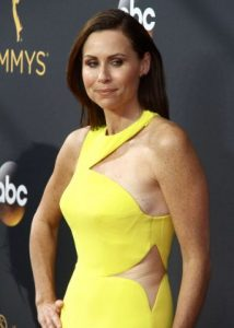 minnie-driver-2016-emmy-awards-07-300x420