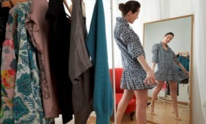 woman-trying-on-clothes-614x409-614x372-300x181